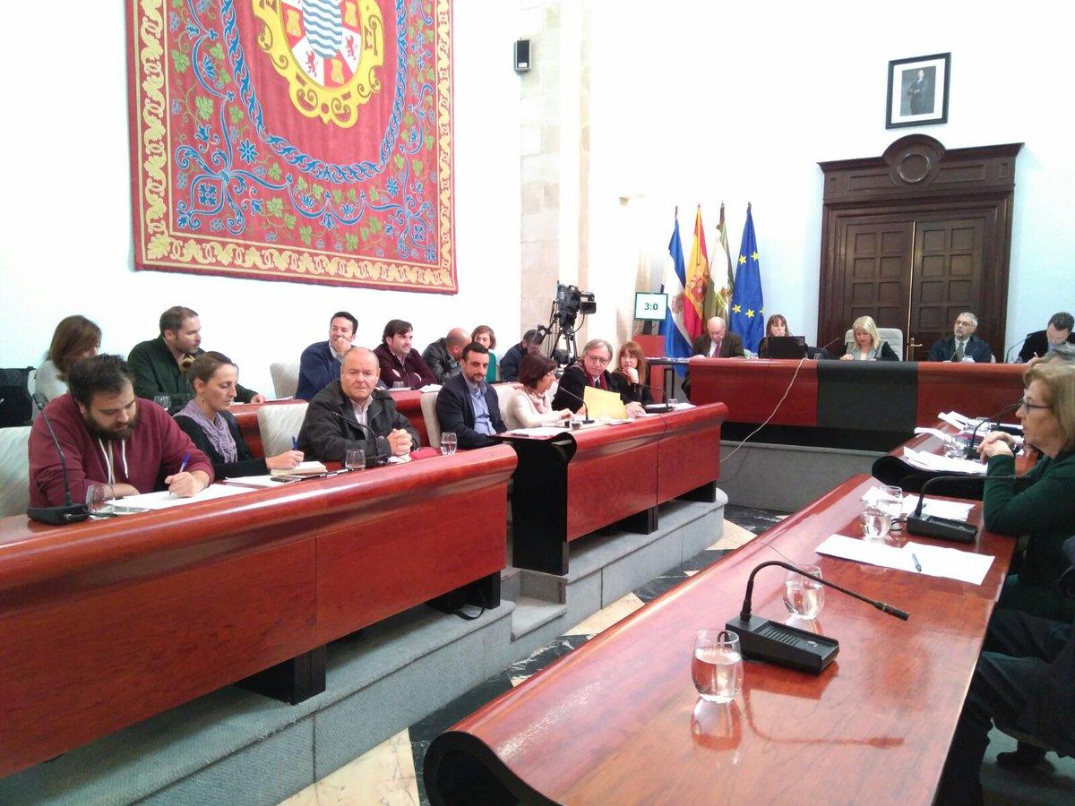La alcaldesa dispuesta a repetir el pleno a propuesta de los trabajadores del Villamarta