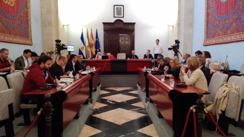 Sigue la reunión de los partidos políticos para desbloquear el Ayuntamiento de Jerez